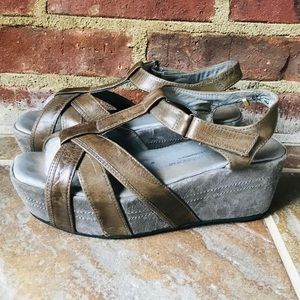 Antelope Strappy Platform Wedge Sandals 8-8.5 (38)